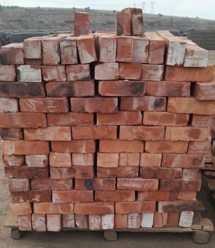 Build It Bricks Prices: Clay Stock Bricks